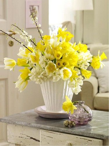 jardin,printemps,fleurs,bouquet,fleurs jaunes, jonquilles,bouquet jonquilles,bouquet mimosa,bouquet forsythia,bouquet printemps jaune, decoration maison decoration florale