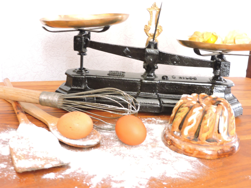 balance,deco cuisine,objet vintage,balance ancienne,ustencile de pesée,ustensile de cuisine,patisserie,