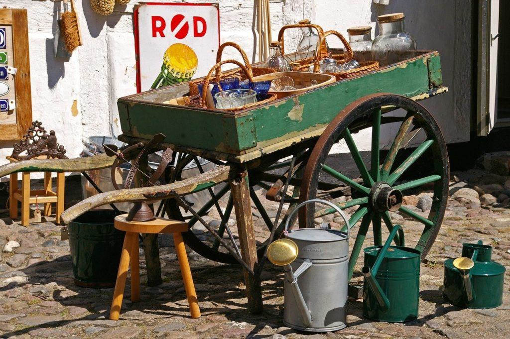 brocante,touraine,balade,vide grenier,vintage,objets,objets anciens,vieille vaisselle, jouets anciens,